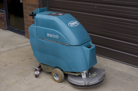 Tennant 5300 Walk Behind Floor Scrubber
